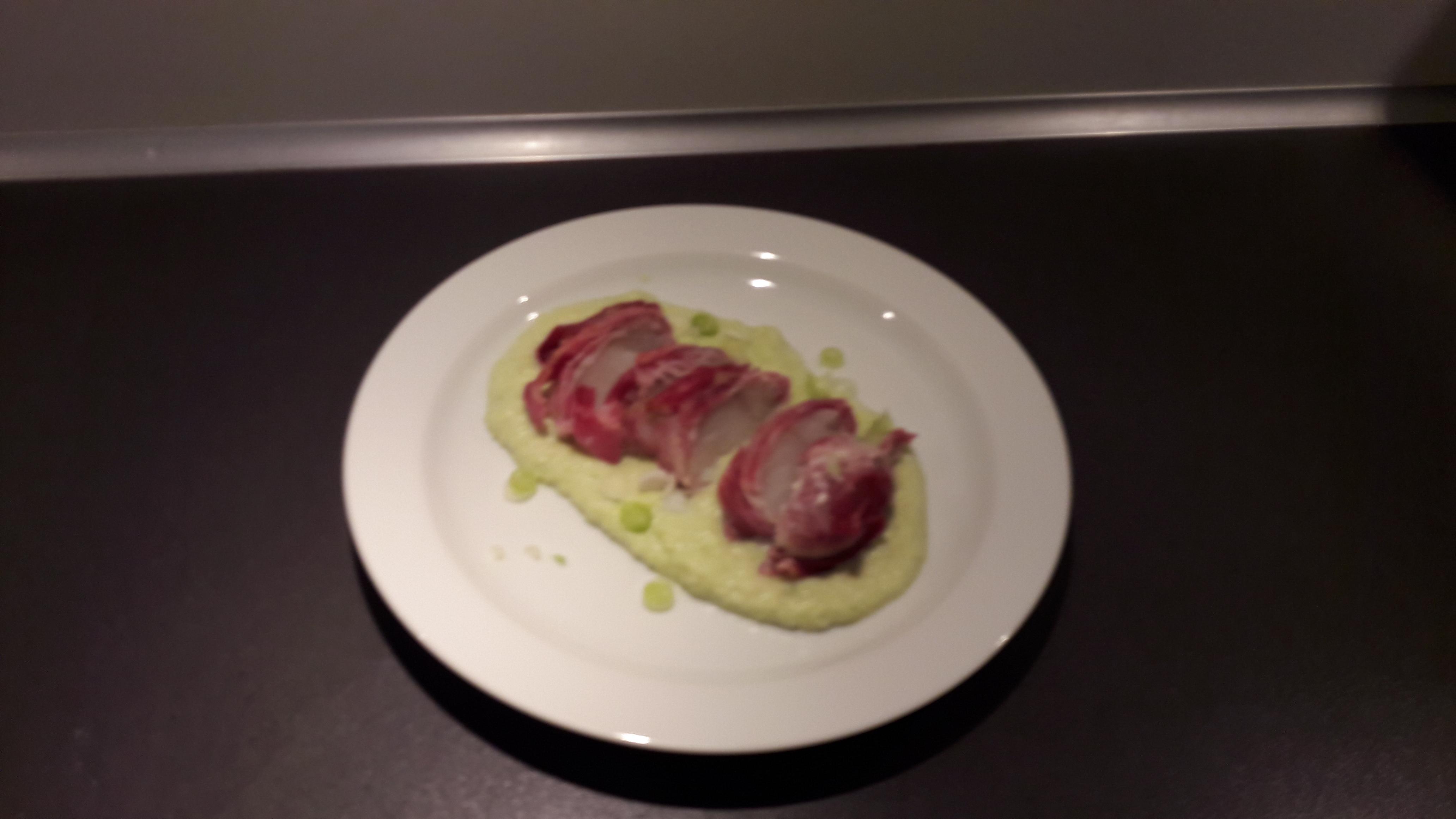 Torsk i bacon med broccoli og kartoffelpure