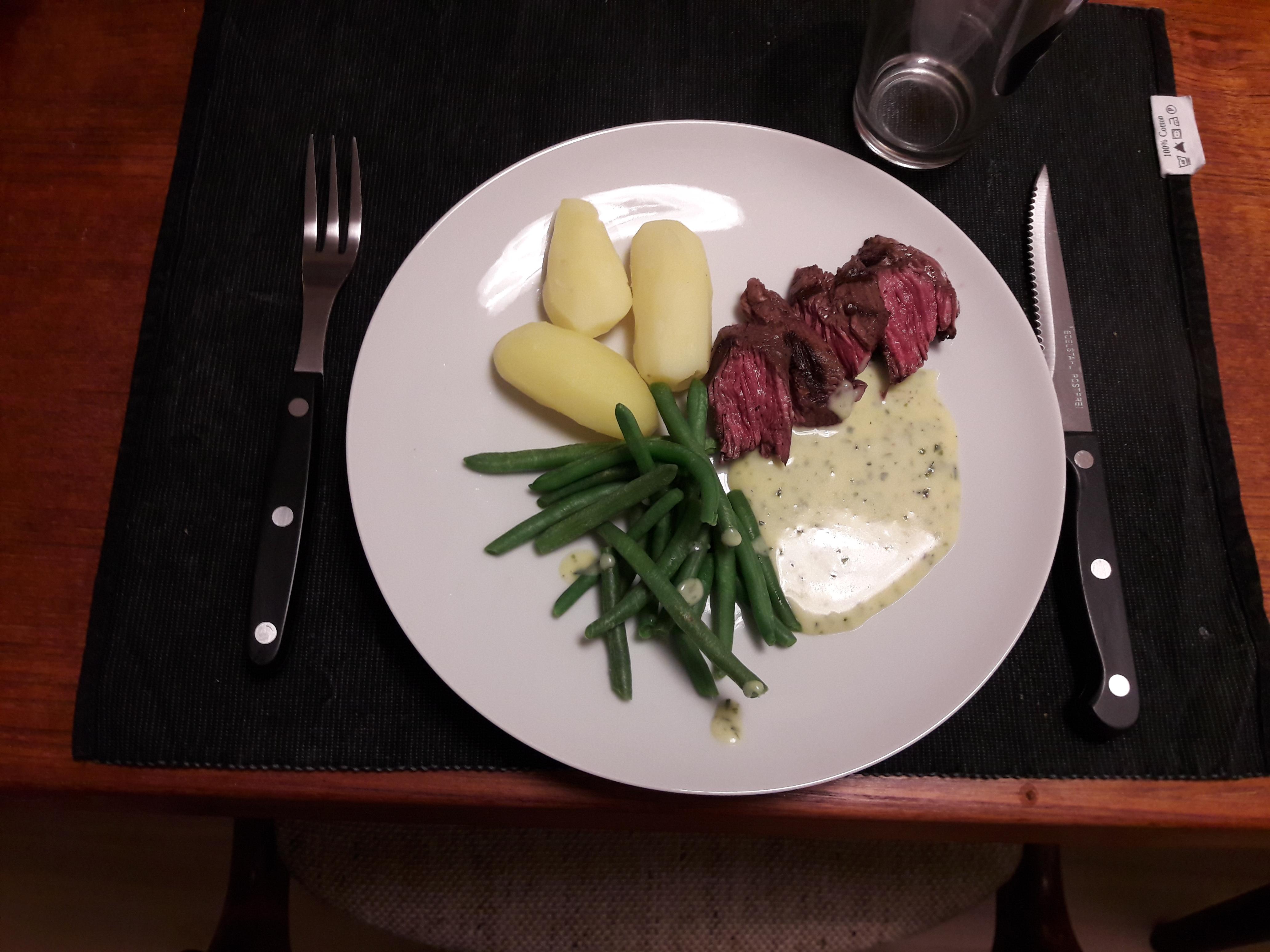 Nyretapper (Onglet) med Bearnaise og grønne bønner