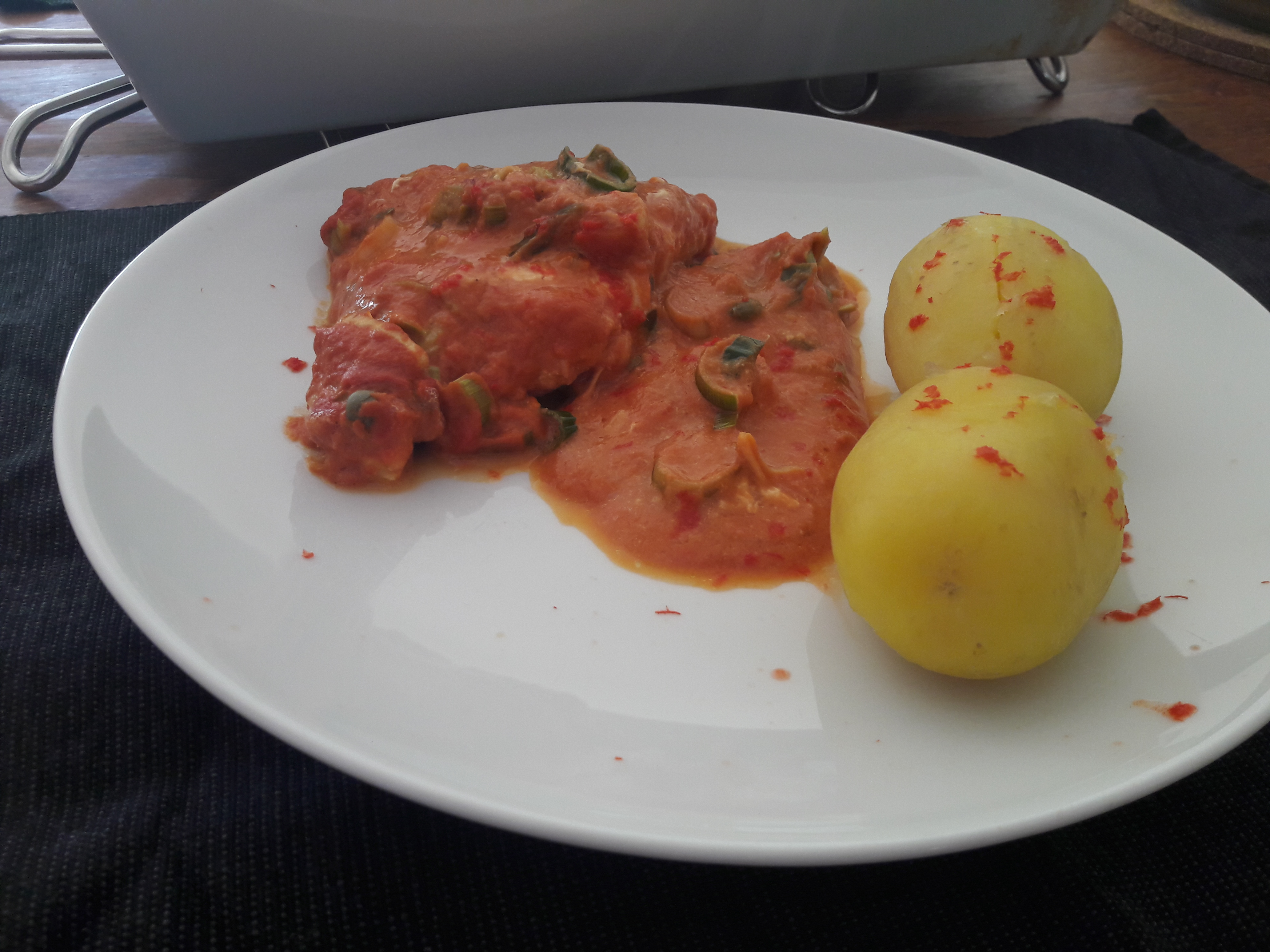 Havkat / Koteletfisk med tomat.